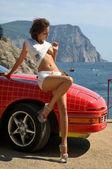 Kvinna och bil — Stockfoto