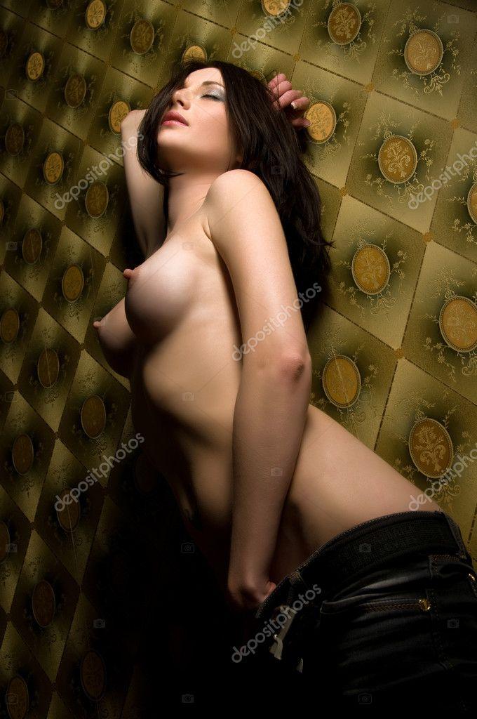 Brunette Naked 111